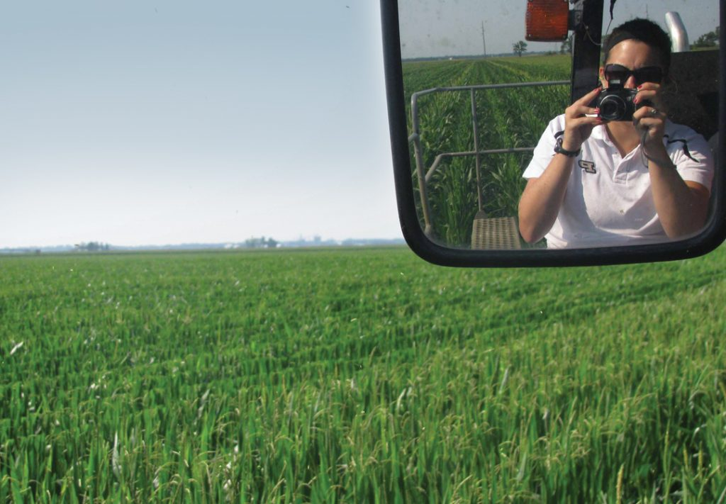 Sisk was photographing mechanical detasselling with the AgReliant Genetics production team when a team member snapped this photo.